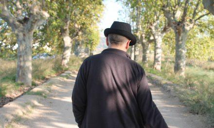 EN EL DIA MUNDIAL DE LA POESIA : POETA SIN ETIQUETA